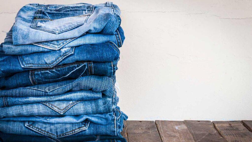 1490717340 jeans 2 1 1024x576 - فروش شلوار زنانه و دخترانه به صورت آنلاین - arghavanjean.ir