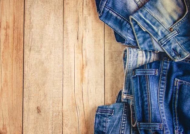 jeans stylish clothes selective focus shopping time 73944 3278 - فروش شلوار زنانه و دخترانه به صورت آنلاین - arghavanjean.ir